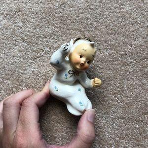 Vintage RARE sitting baby angel figurine